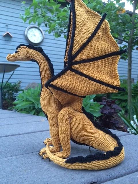 kim harrison s knitted dragon